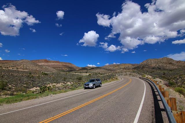 dálnice v pustině