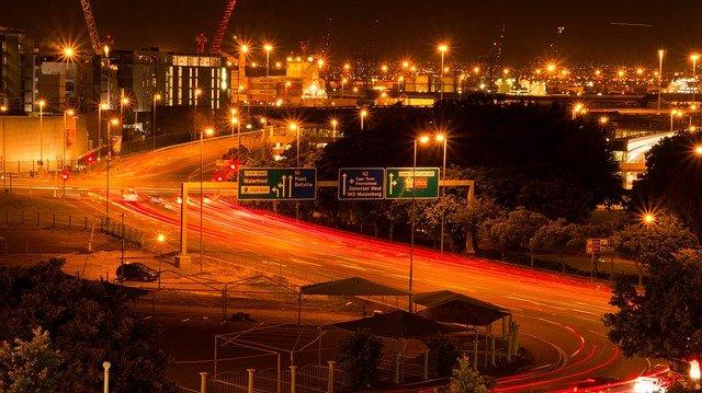 noční městský provoz.jpg